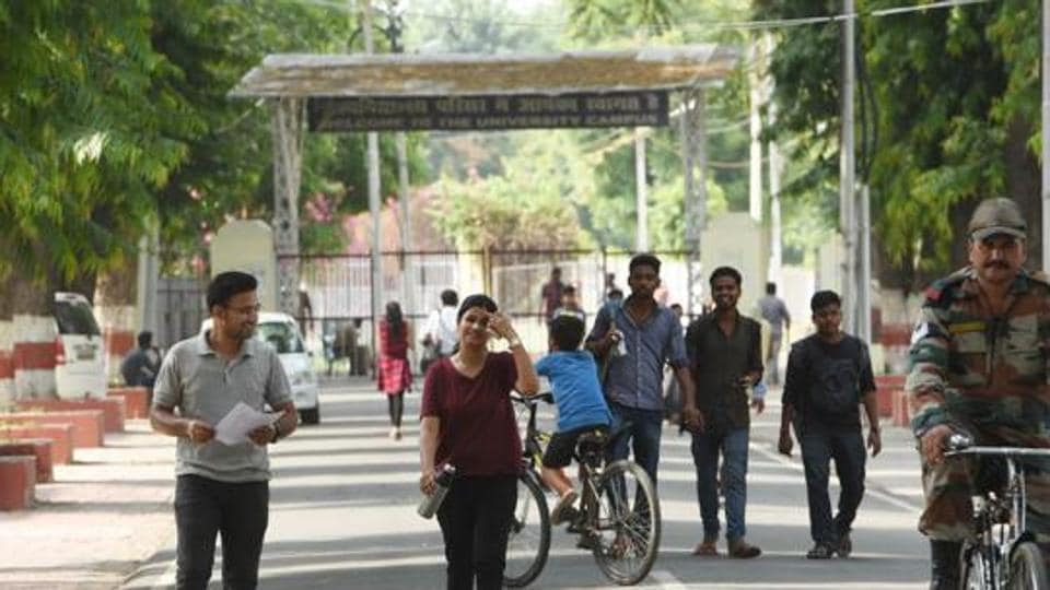 In a shocking incident, the Lucknow University (LU) has imposed a fine of Rs 20,000 on a BA second year student for having a meal at the central mess without being authorised to do so.