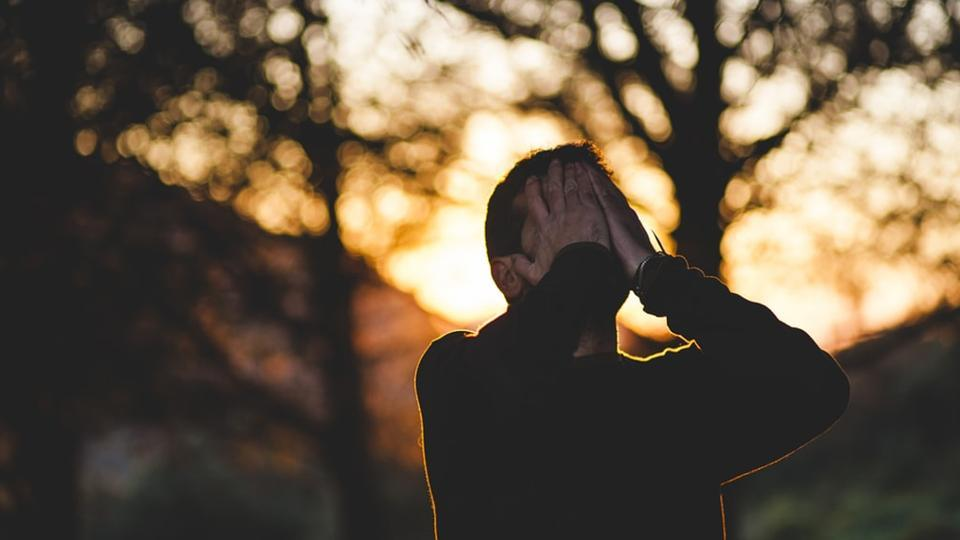 Negative emotions reduce how much we trust others, even if these emotions were triggered by events that have nothing to do with the decision to trust.