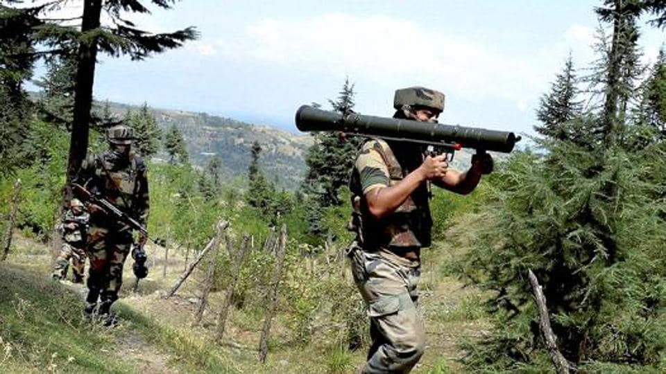Indian Army on Sunday inflicted heavy damages and casualty on the Pakistan side after two Indian soldiers and a civilian were killed in ceasefire violation by Pakistan Army in Tangdhar sector of Kupwara. (PTI file photo)