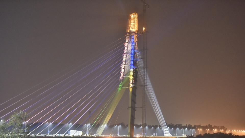 Delhi's iconic Signature Bridge will start hosting tourists inside a glass viewing gallery at an elevation of 154 metres from mid-next year.