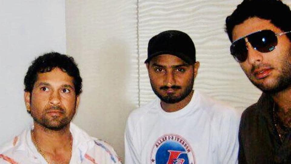 Harbhajan Singh shared the throwback image of himself with Sachin Tendulkar and Yuvraj Singh on Twitter.