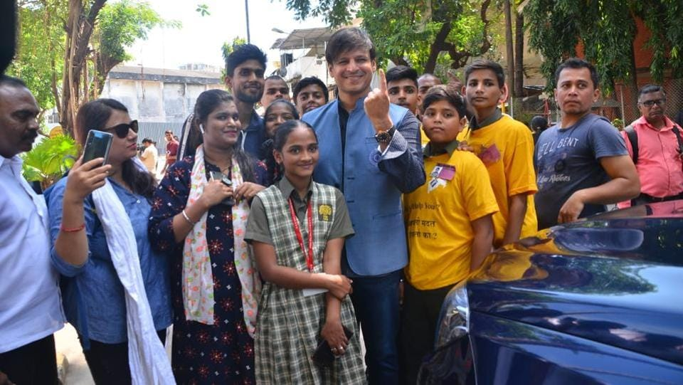 Vivek Oberoi after casting his vote.