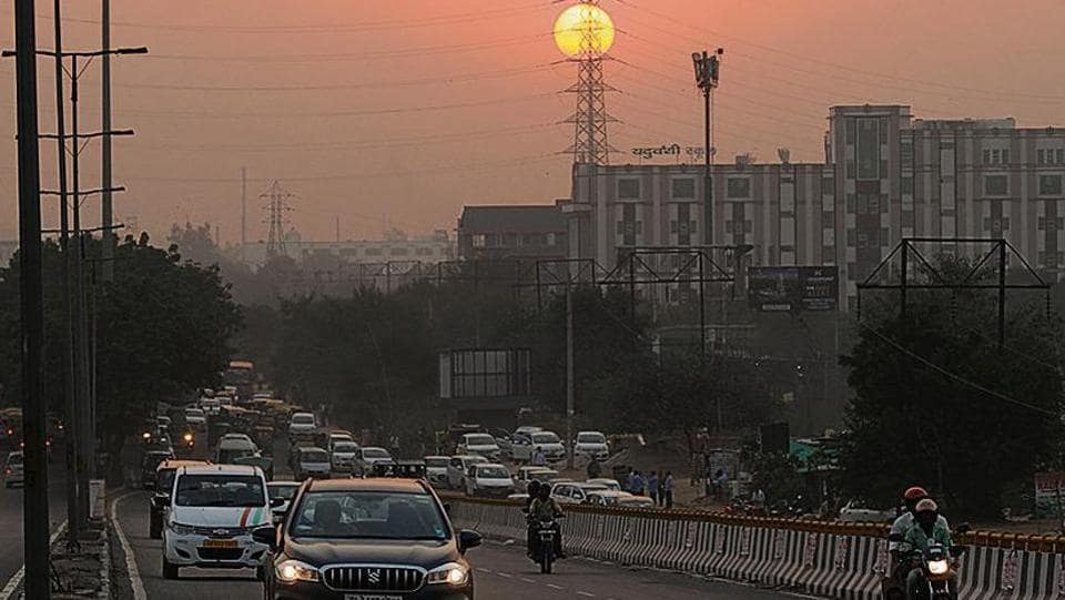 A view of Subhash Chowk as air pollution and air quality index (AQI) surged at Sohna Road, in Gurugram, India, on Sunday, 20 October 2019.