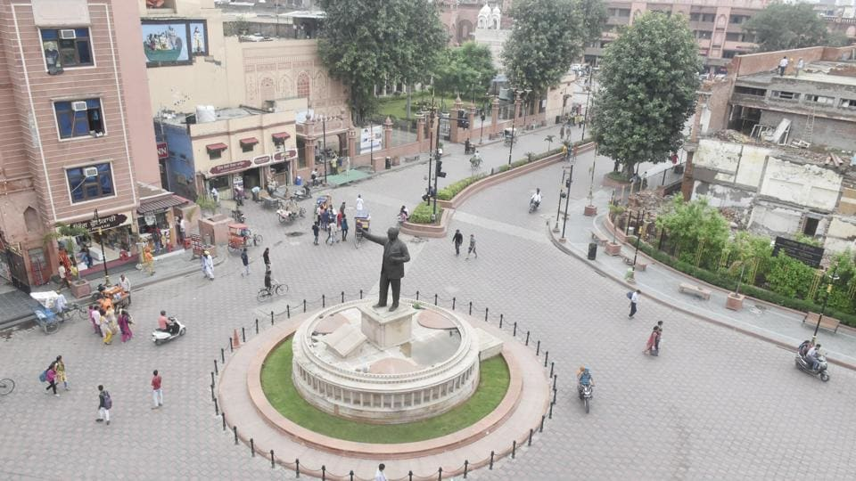 Wi-Fi facility was setup at the Heritage Street in Amritsar at a cost of ₹2.21 crore.