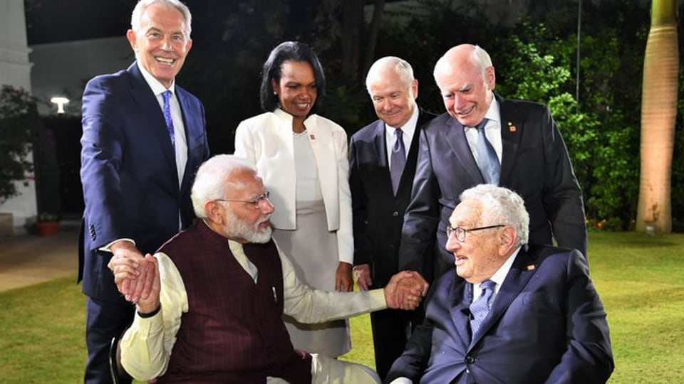 Prime Minister Narendra Modi with Former US Secretaries of State Henry Kissinger and Condoleezza Rice, former British PM Tony Blair, former US Defence Secretary Robert Gates and former Australian PM John Howard  at his meeting with the JP Morgan International Council on Tuesday.