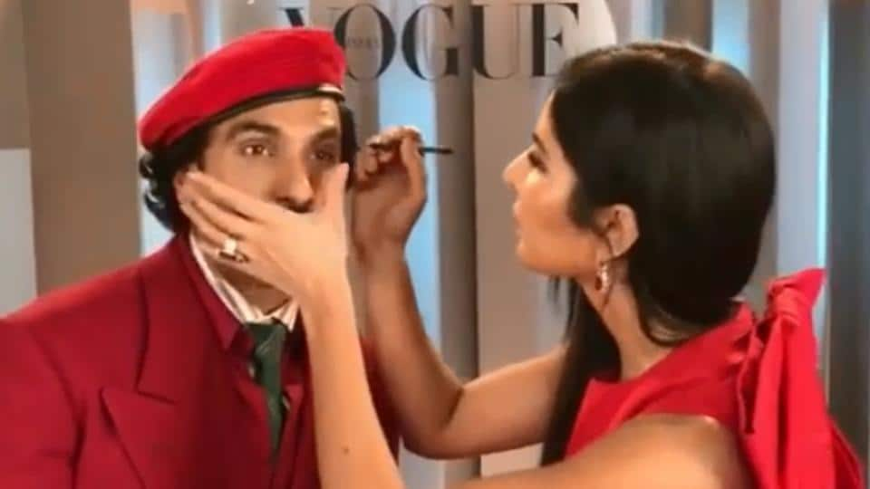 The actor also applied makeup on Ranveer Singh just for fun, and the duo had a great time.