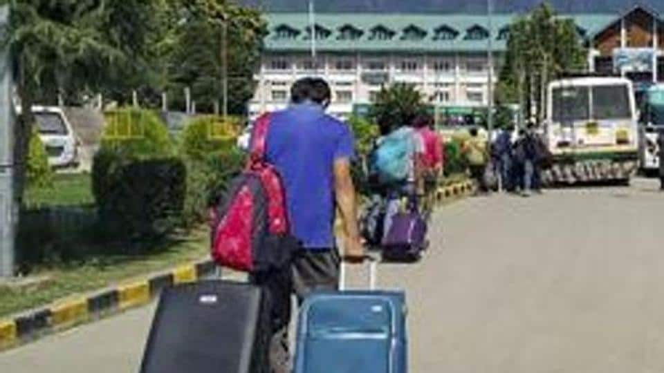 The concessions available for admission in higher educational institutions to the wards of Kashmiri migrants will now also be given to Kashmiri Pandits living in the valley, according to officials at the HRD Ministry.