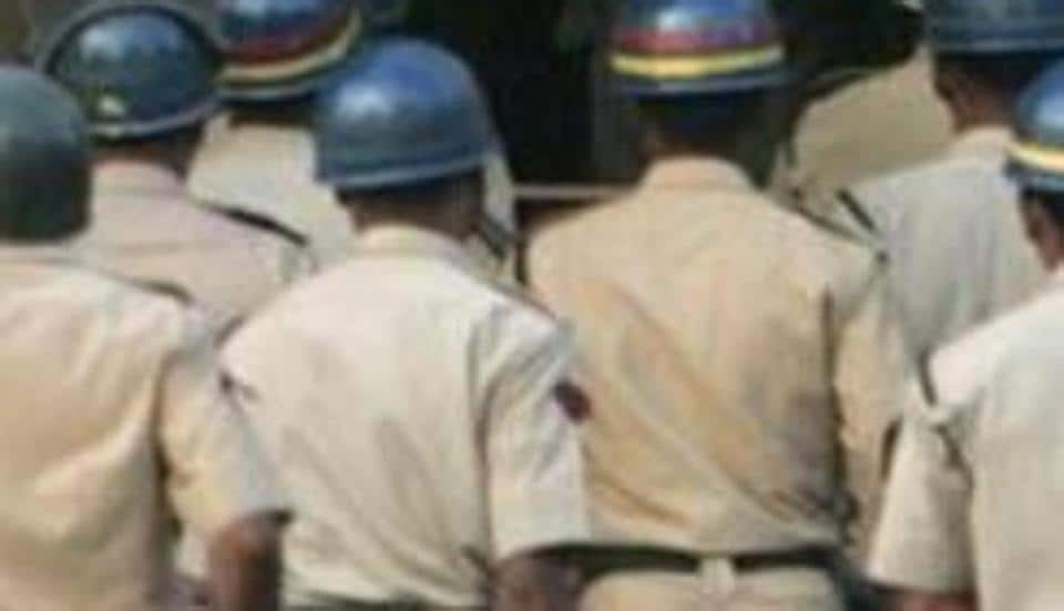 A businessman from France was duped of 47,000 Euros by three men who posed as policemen. (Representative Image)