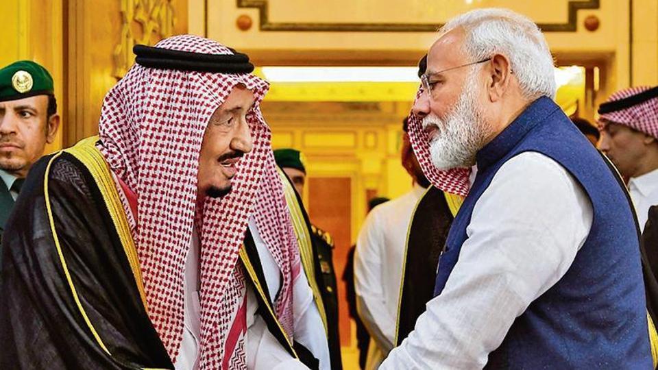 Prime Minister Narendra Modi meets H.M. King Salman bin Abdulaziz Al Saud in Riyadh, Saudi Arabia.