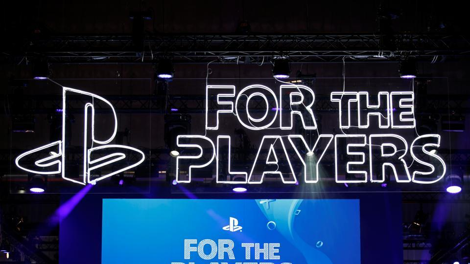 Sony has filed a patent for a new PlayStation controller with World Intellectual Property Organisation (WIPO) and the latest design adds two new buttons to the older design.