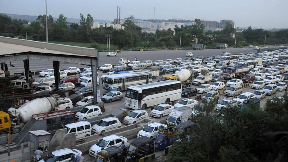The counsel for new sector residents, who, for several years, had been demanding that the toll plaza be shifted, said that it was up to the state government to acquire the land for setting up the toll plaza at the earliest.