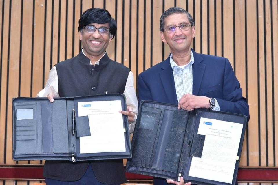 IIT-K director Abhay Karandikar and Rahul Mehta of the Mehta Family Foundation signing an MoU.