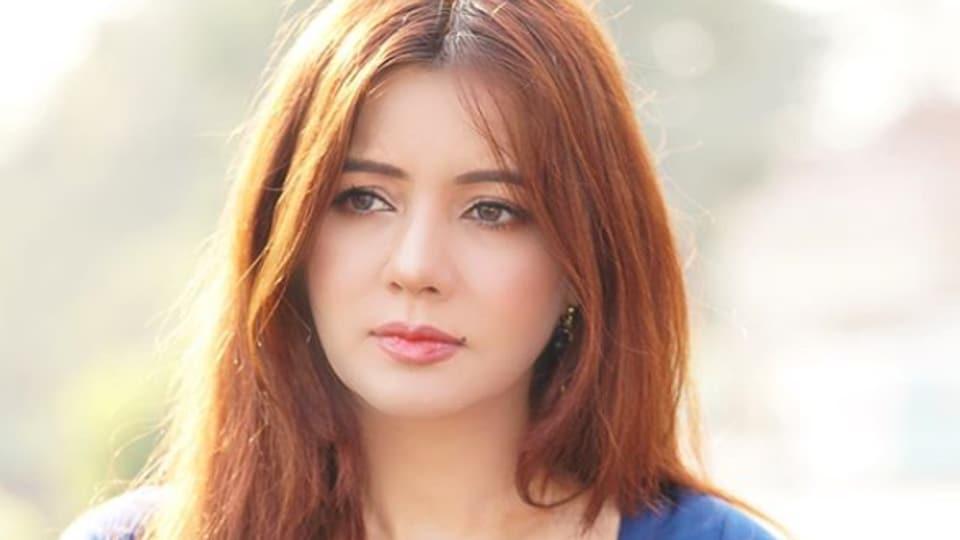 Pakistani pop singer threatens Modi with python, faces