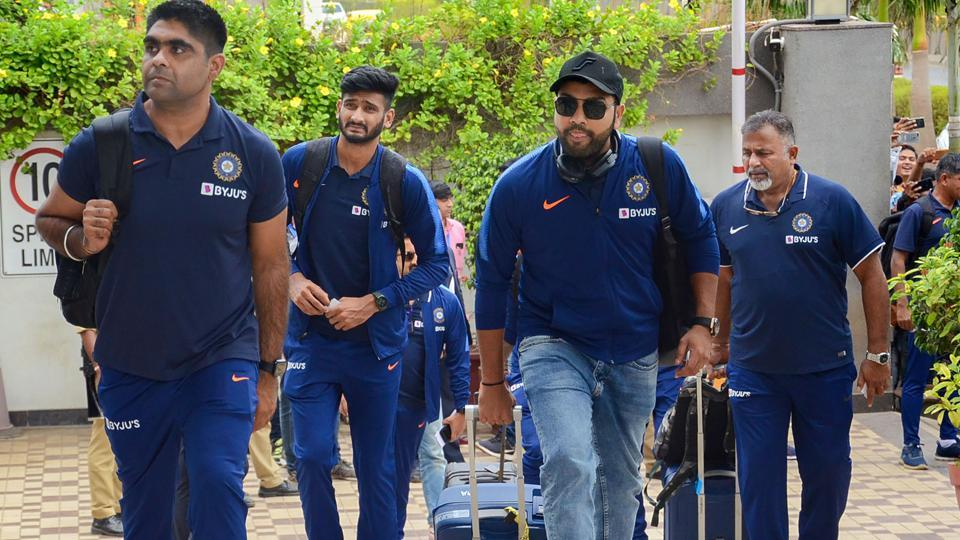 Indian men's cricket T20 team arrive at a hotel