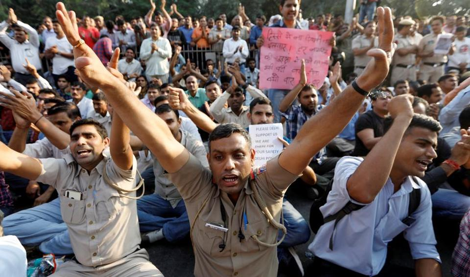 Policemen protest after the last week's clash with lawyers, New Delhi, November 5