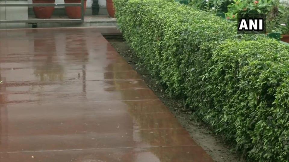 Parts of Delhi received light rain on Thursday morning. Visuals from Akbar Road, New Delhi.