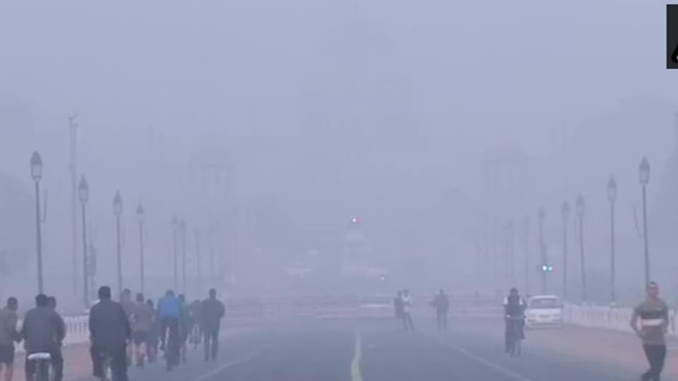 A view of India Gate on Friday morning when Delhi's air quality was recorded in 'very poor' category.