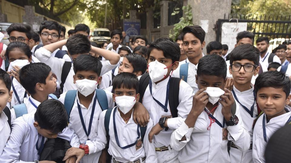 The Delhi government's claim of a 25 per cent reduction in air pollution levels over the past few years is not true, Greenpeace India said on Thursday