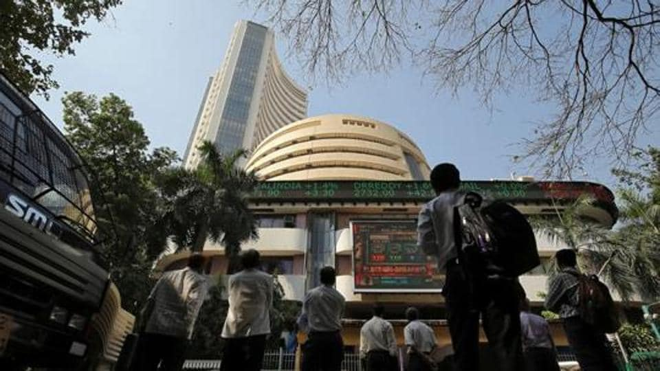 """Indian shares inched lower on Friday after Moody's Investors Service lowered its ratings outlook to """"negative"""" from """"stable"""""""