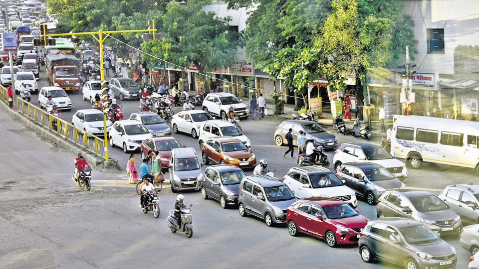 However, the reality is that three lakh Punekars - either living and working in, or driving to the Rajiv Gandhi IT Park at Hinjewadi - have to deal with what is increasingly appearing to be poor civic management and infrastructual incompetence.
