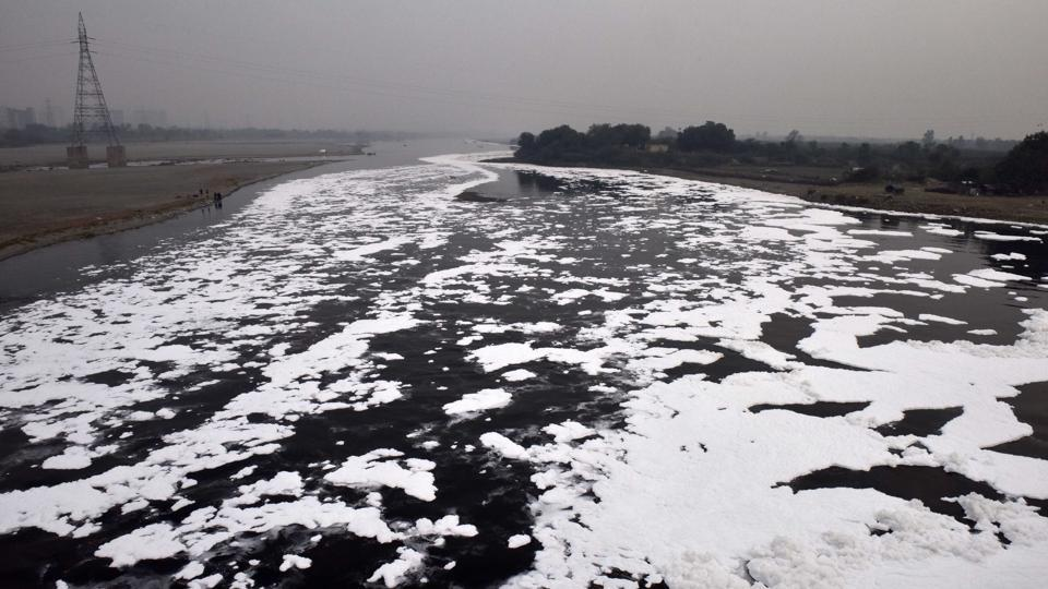 A view of the Yamuna river with toxic foam, at Kalindi Kunj. Post Diwali, the national capital and its adjoining regions have been experiencing a severe pollution crisis. The situation has become so grave that not only the air, even the water bodies situated in Delhi such as the Yamuna river near Kalindi Kunj area have become completely toxic. (Mohd Zakir / HT Photo)