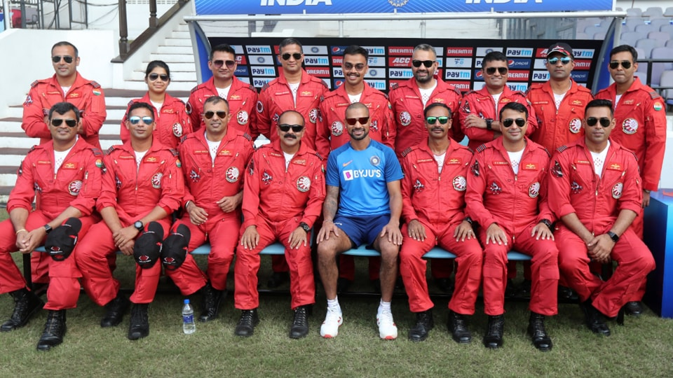 Shikhar Dhawan with the Suryakiran Aerobatic Team of the Indian Air Force in Nagpur.