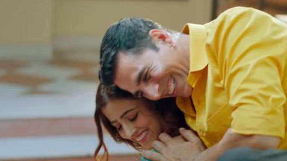 Akshay Kumar features in his first ever music video.