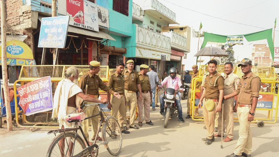 Ayodhya: Police personnel conduct searches near the site of disputed Ram Janambhoomi-Babri Masjid site, as the verdict date nears, in Ayodhya, Friday, Nov. 8, 2019. (PTI Photo/ Nand Kumar) (PTI11_8_2019_000081B)