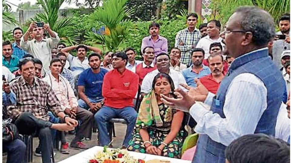 Pradeep Kumar Balmuchu consults party workers to decide his next course of action