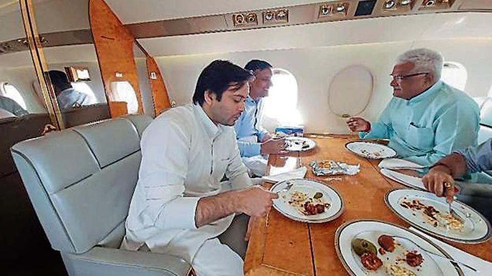 "BJP spokesperson Nikhil Anand tagged this picture with the tagline, ""Tejashwi neta nahi yuvraj hain"", on social media."