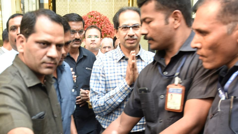 Shiv Sena chief Uddhav Thackeray while stepping out of Hotel Trident in Bandra-Kurla Complex where he had a meeting with senior Congress leader Ashok Chavan, Balasaheb Thorat in Mumbai on Nov 13, 2019. (HT Photo by Satish Bate)