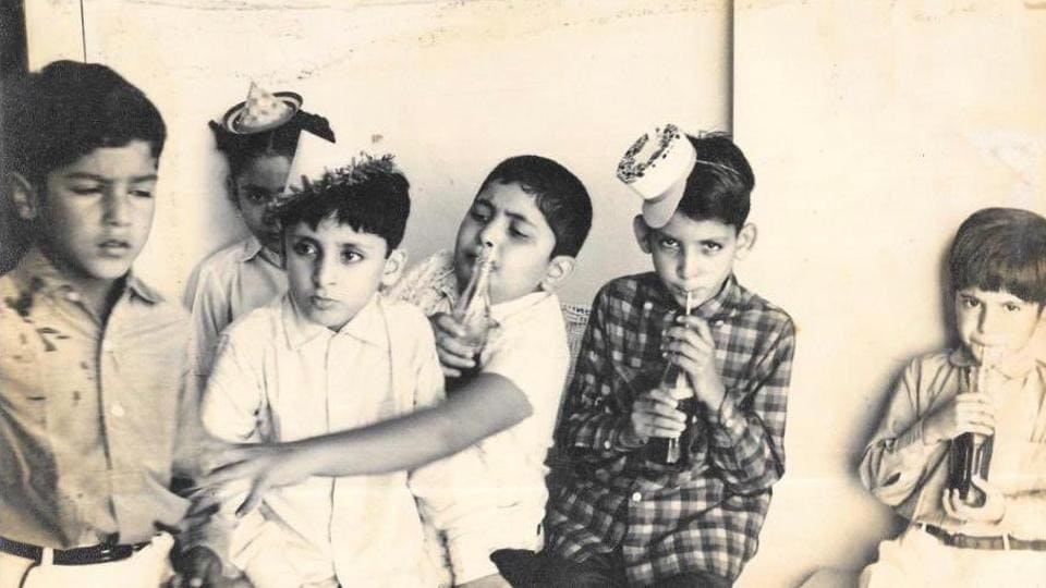 Can you spot Boney Kapoor, Rishi Kapoor and Anil Kapoor in this picture?