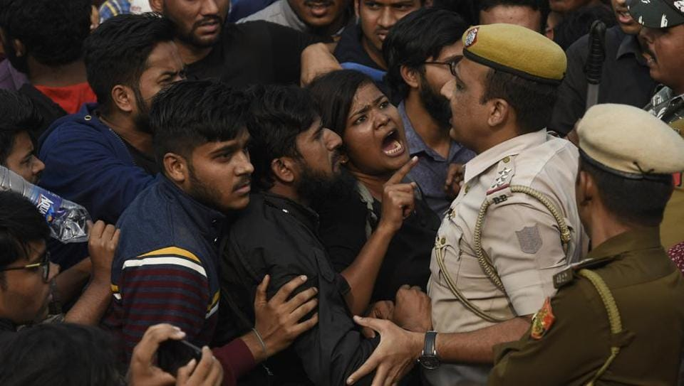 Students of JNU protesting against fee hike argue with police personnel outside All India Council For Technical Education during JNU convocation, in New Delhi, India, on Monday, November 11, 2019