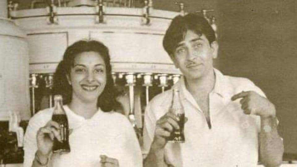 Rishi Kapoor and Nargis in a throwback picture shared by Rishi Kapoor.