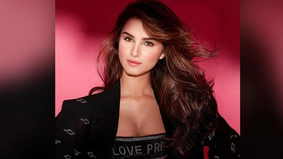 Budding Bollywood actor Tara Sutaria has often been trolled by the fashion police for her wardrobe, be it her sizzling Diwali saree or the tube top-skirt combo she wore at a recent event.