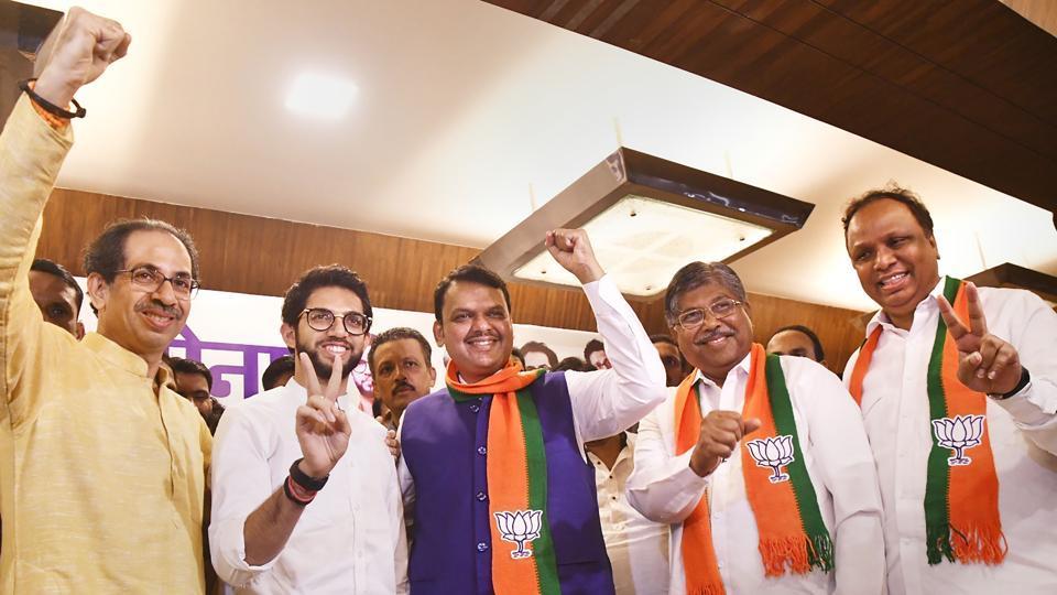 Maharashtra Chief Minister Devendra Fadnavis with Shiv Sena Chief Uddhav Thackeray, Yuva Sena Chief Aaditya Thackeray and others during the announcement of Maha Yuti (Grand alliance) before the fallout.