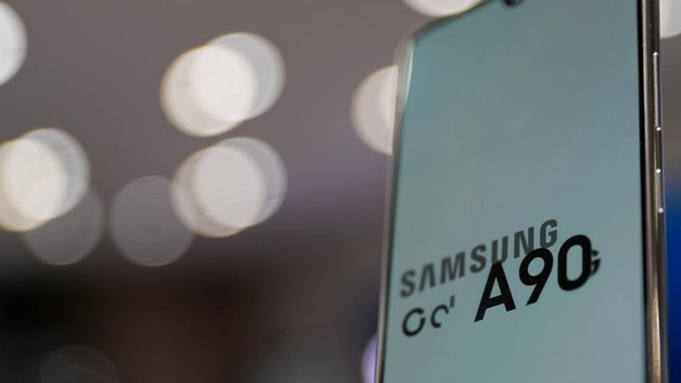 Samsung Electronic's Galaxy A90 is seen on display at a Samsung store in Seoul, South Korea, November 14, 2019. Picture taken November 14, 2019. REUTERS/Kim Hong-Ji