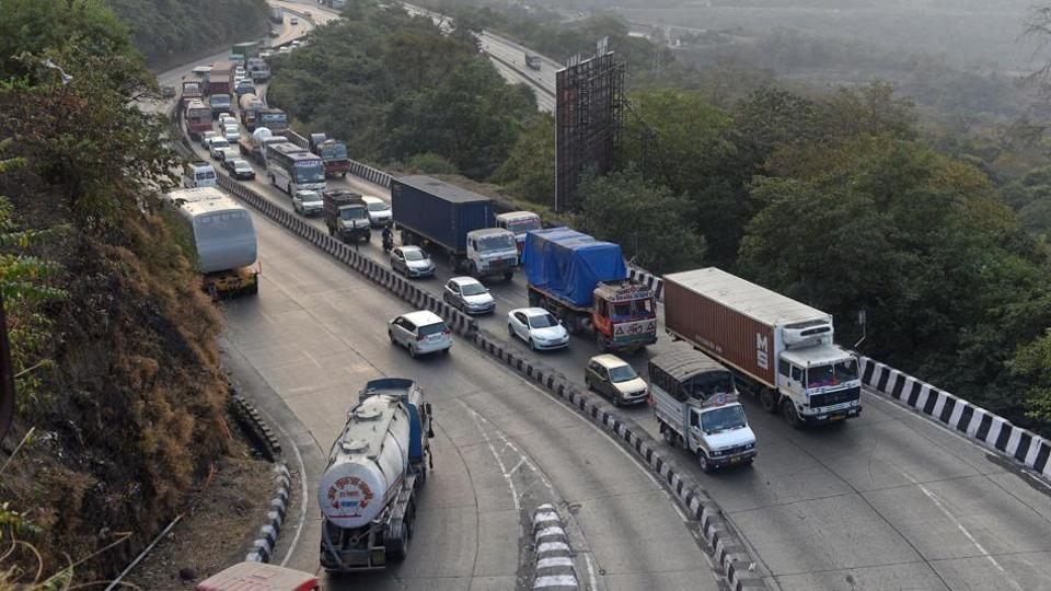The Maharashtra State Road Development Corporation (MSRDC) Limited will be cutting 5,300 trees for the construction of a 13.3 kilometre bypass road between Khopoli and Kusgaon on the Pune-Mumbai Expressway.