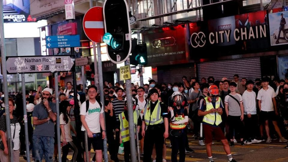 The chaos again made Hong Kong look in television images more like a war zone than a financial hub.
