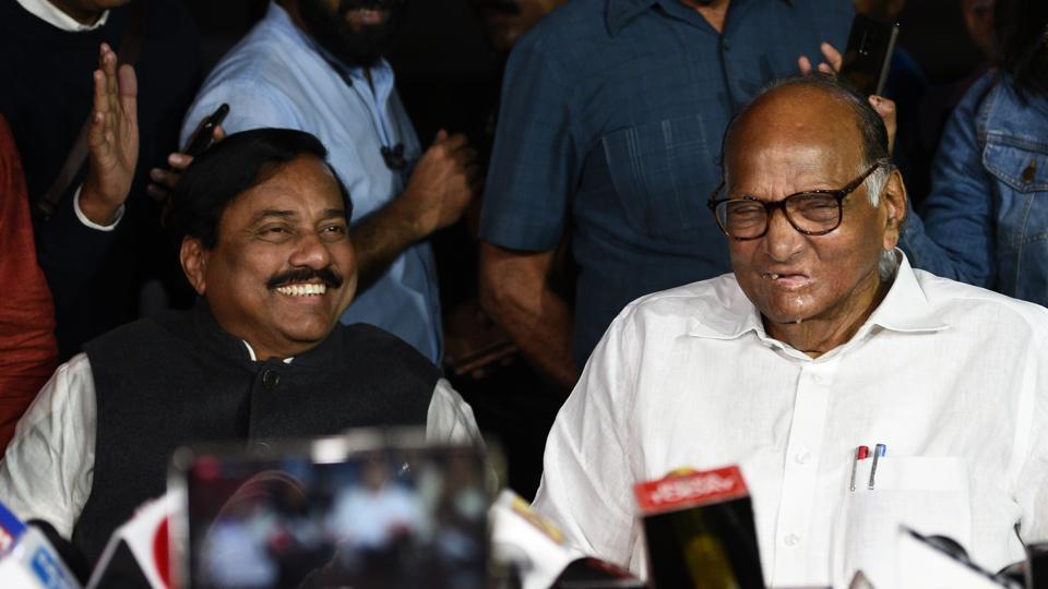 Shiv Sena chief Uddhav Thackeray held closed door meetings with NCP chief Sharad Pawar and senior Congress leader Ahmed Patel.