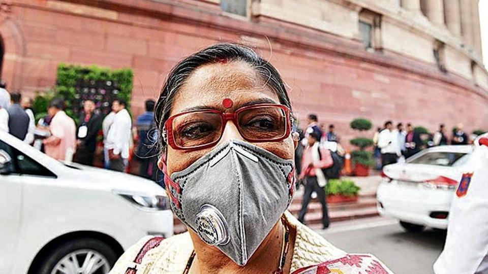 Trinamool Congress MP Kakoli Ghosh wearing a pollution mask.