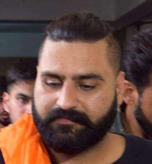 Punjabi singer Elly Mangat is not new to controversy. A case was registered against him in Mohali in September for hurting religious sentiments through his posts on social media. He was granted bail in that case.