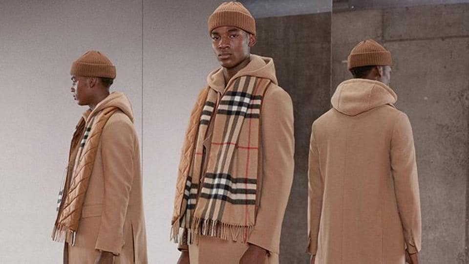 Burberry teams with Tencent on social media-friendly stores.