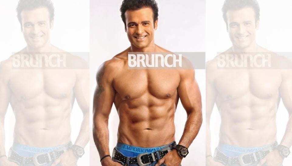 Fitting into 50: Rohit Roy flaunts his newly minted six pack