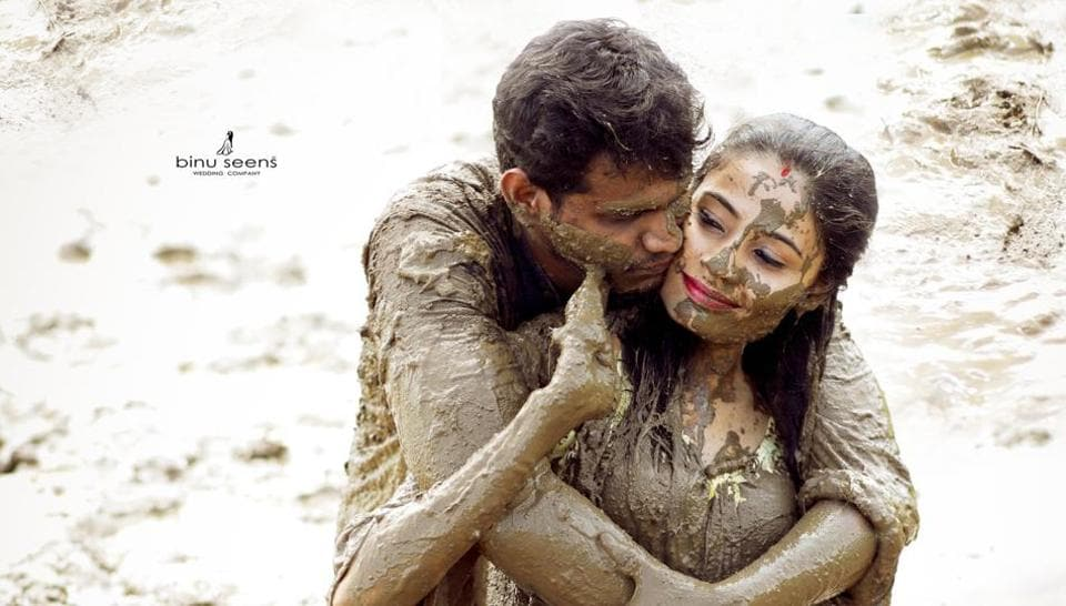 Mud Love This Couple S Unusual Post Wedding Photo Shoot Is Going