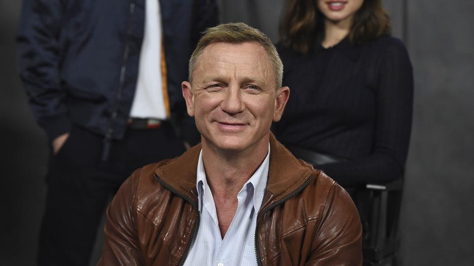 Daniel Craig attends the Knives Out photo call at the Four Seasons Hotel.