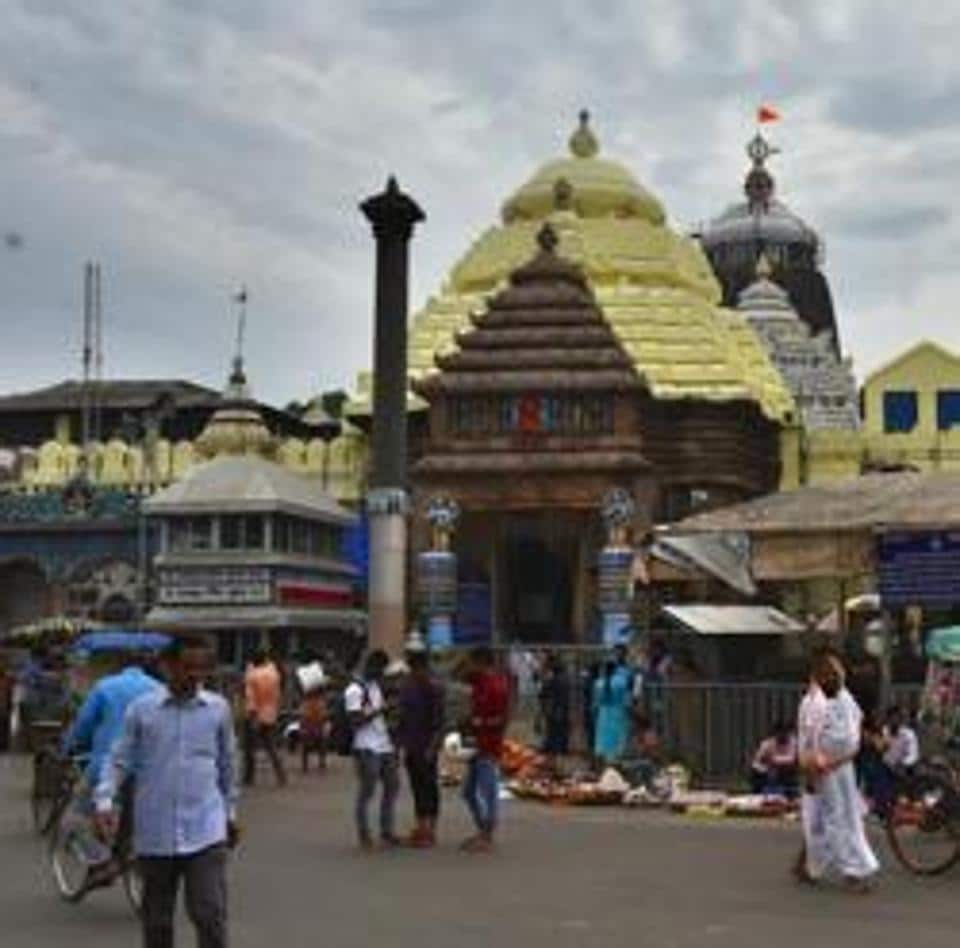 Mangu Mutt is located in front of the main entrance of the 12th-century Jagannath temple.