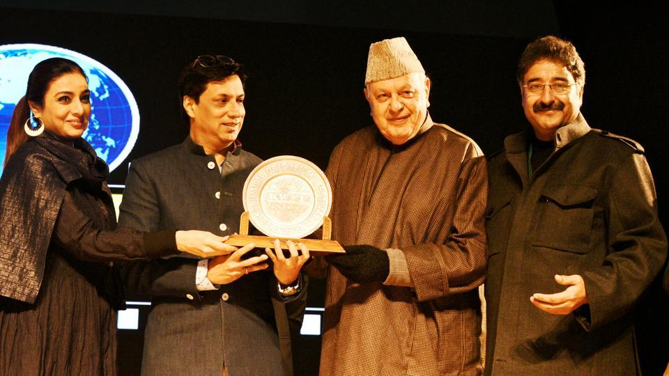 Bollywood actor Tabu and filmmaker Madhur Bhandarkar being honoured by former J&K chief minister Farooq Abdullah at the 4th edition of the festival in 2018. Also seen is festival director Mushtaaque Ali Ahmad Khan.