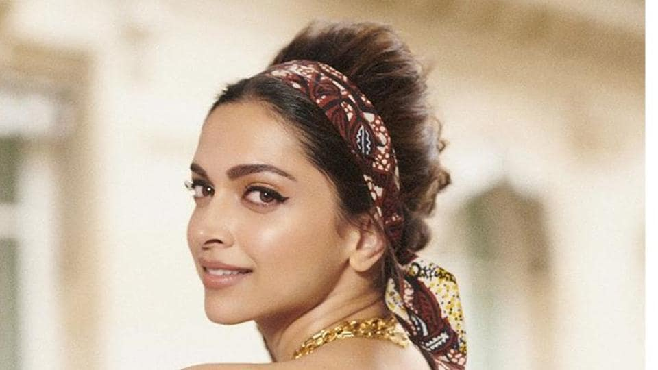 Hair accessories are one of the most underrated aspects, when it comes to choosing a look or ensemble.