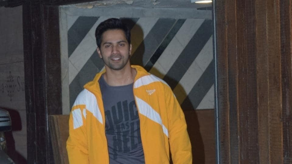 Mumbai: Actor Varun Dhawan seen at a gym in Juhu, Mumbai on Nov 19, 2019. (Photo: IANS)